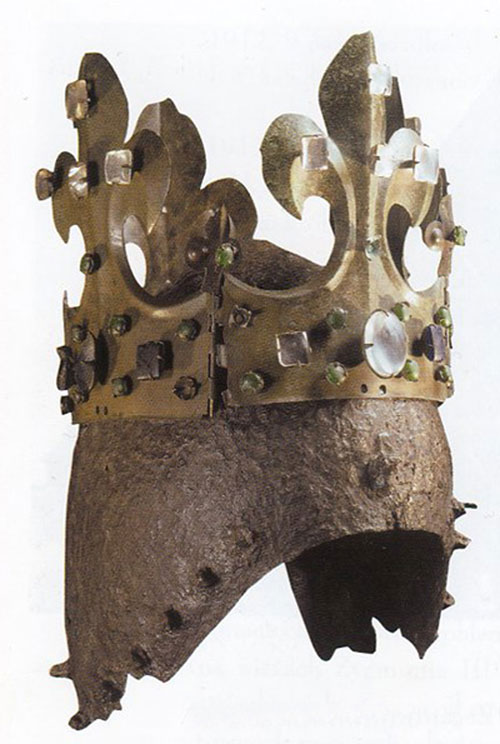 korona sandomierska, hełmowa